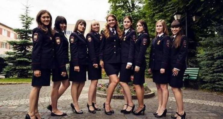 صور| أجمل الفتيات في الشرطة الروسية!