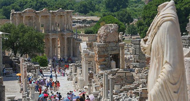 أفس التركية | عراقة تاريخية وقيمة أثرية كبيرة