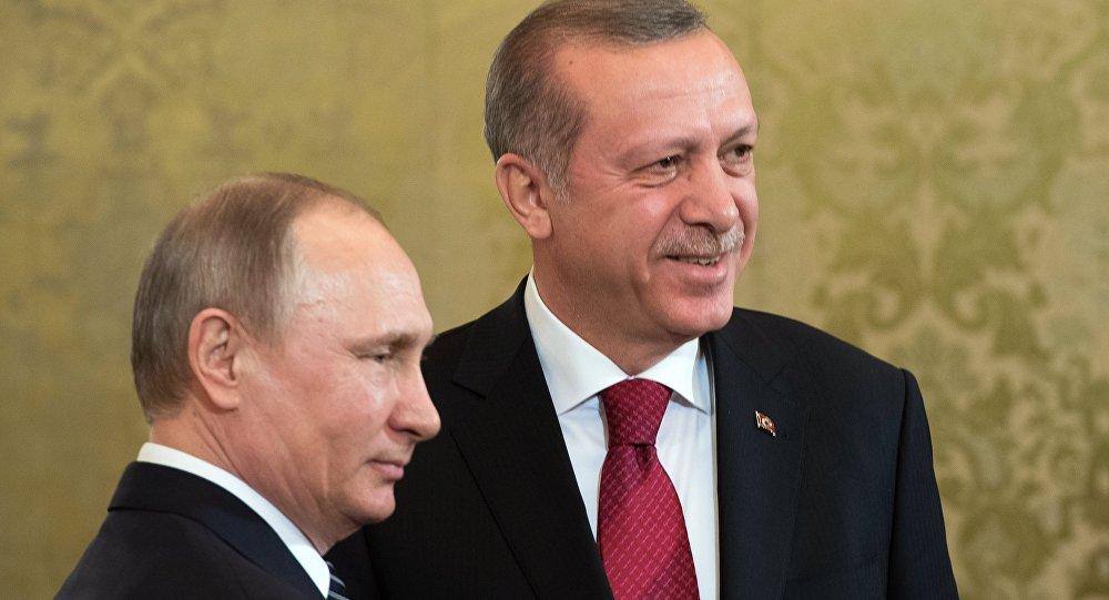 أردوغان وبوتين يبحثان آخر المستجدات هاتفيا