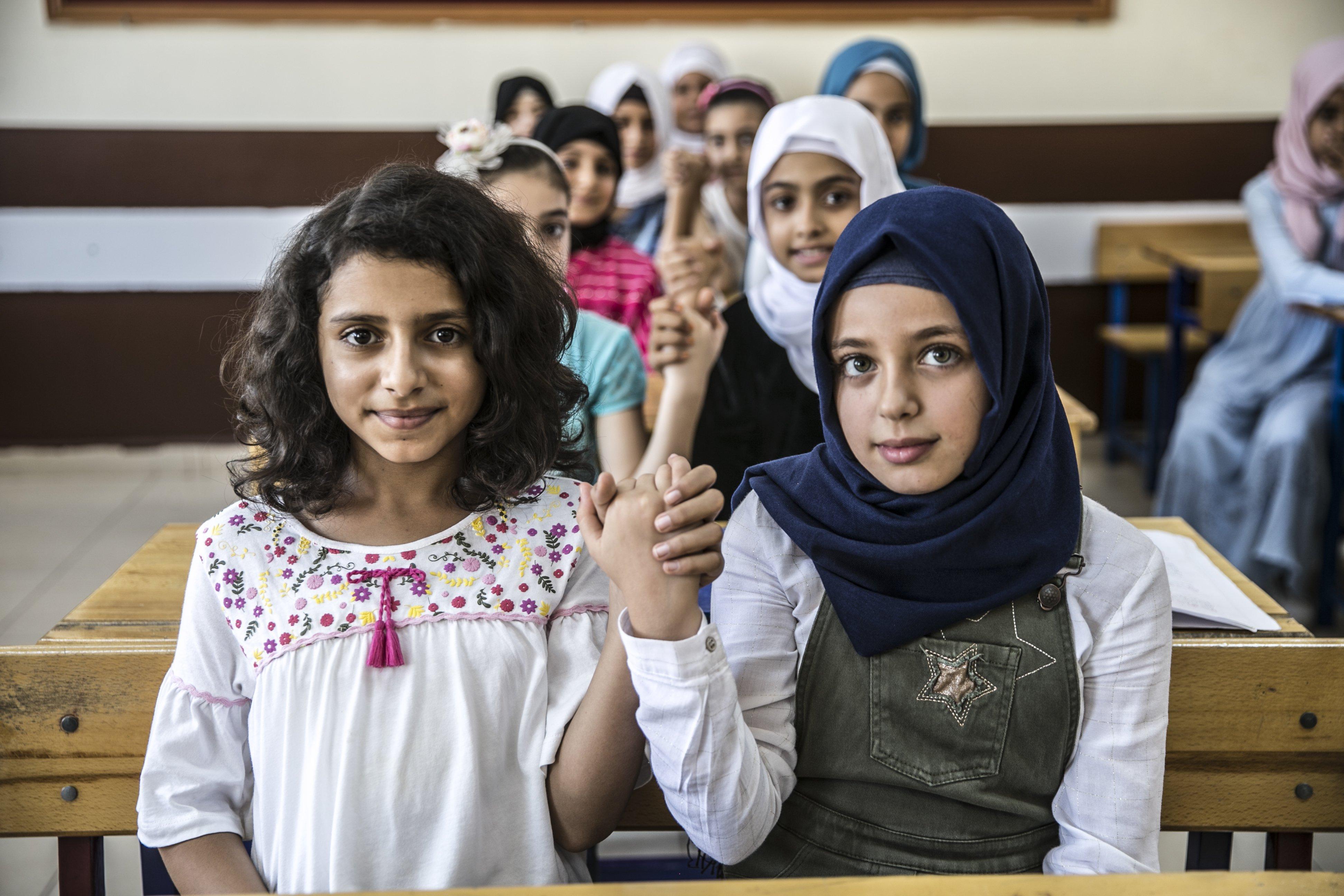 تركيا تواصل إجراءات دمج الأطفال السوريين في مدارسها بهذه الطرق