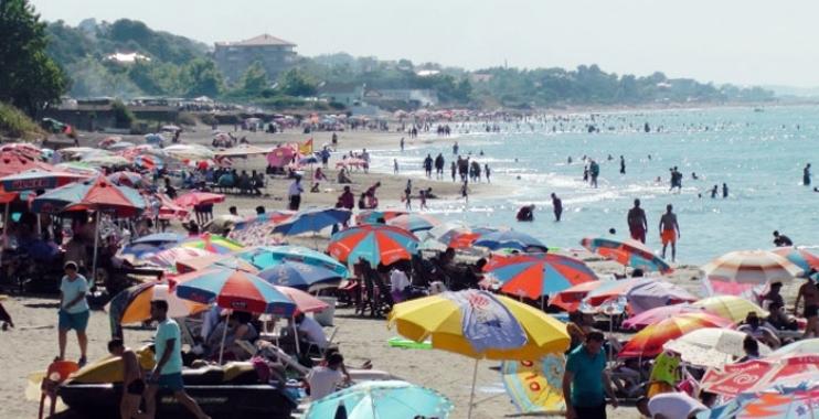 إحدى البلديات التابعة للمعارضة التركية تمنع دخول السوريين إلى ساحل مودانيا