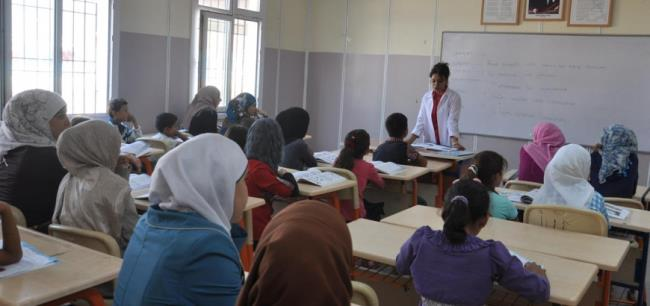 هام| بيان من حاكم اسطنبول بشأن طلاب المدارس والجامعات السوريين