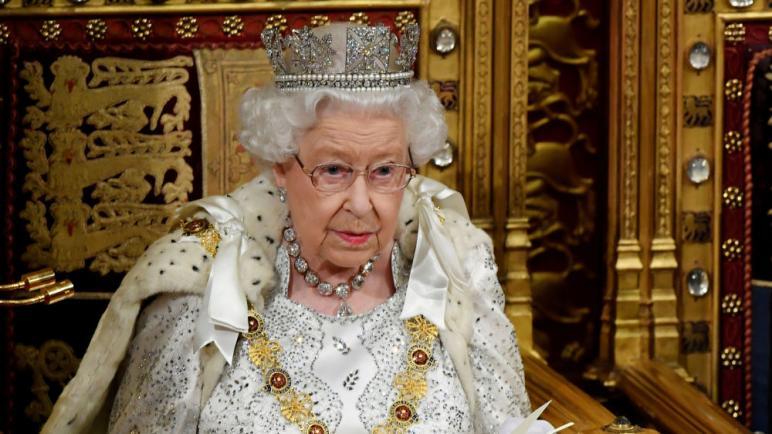 وظيفة لدى الملكة إليزابيت براتب 60 ألف دولار