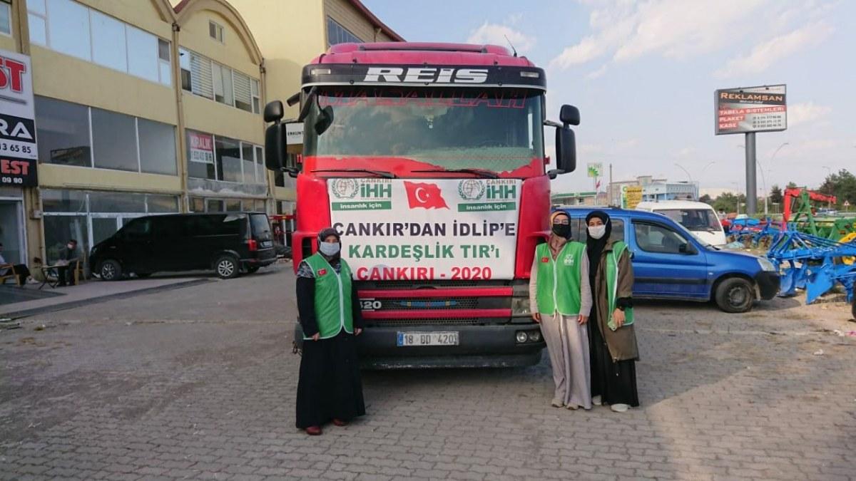 هيئة الإغاثة الإنسانية التركية ترسل مساعدات جديدة إلى إدلب