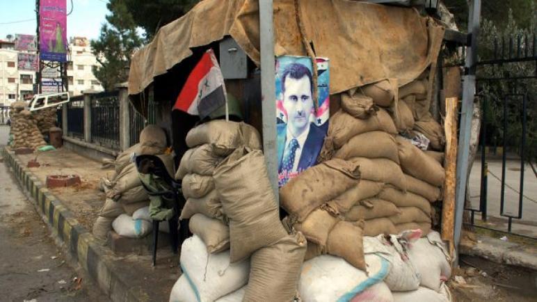 مدنيون يسيطرون على حاجز لقوات الأسد شمال حلب