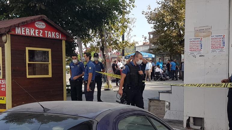 بالفيديو : سائق يدهس مجموعة سائقين في إسطنبول