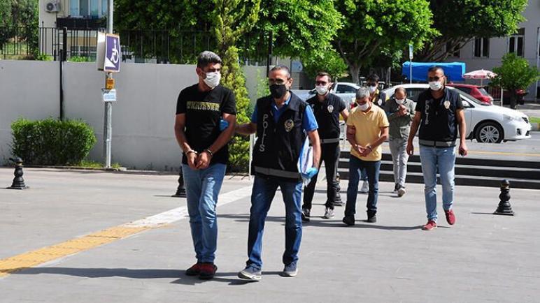 اعتقال ٢١ إنقلابي في أزمير بينهم قائد درك