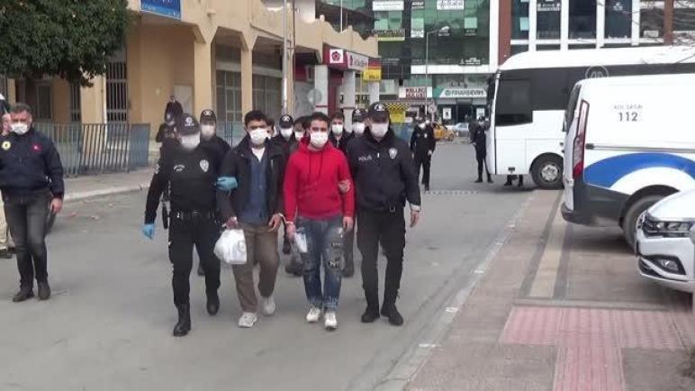 السلطات التركية ترحل سوريين إلى بلادهم لهذا السبب؟!