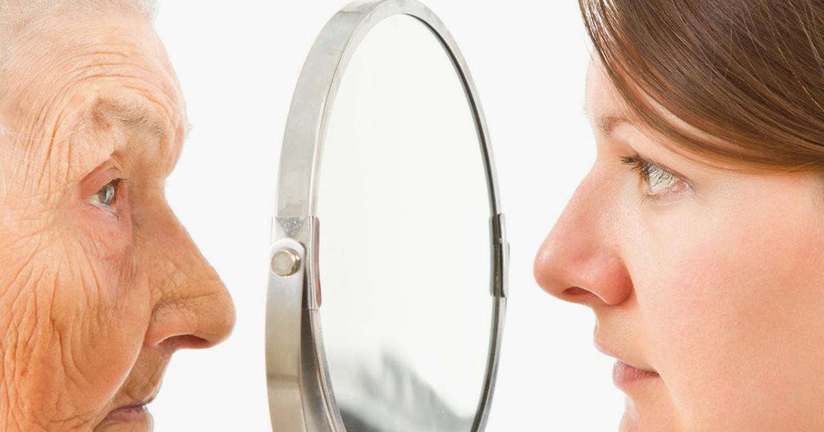 3 أطعمة تسبب شيخوخة الجلد.. عليك التوقف عن تناولها على الفور !