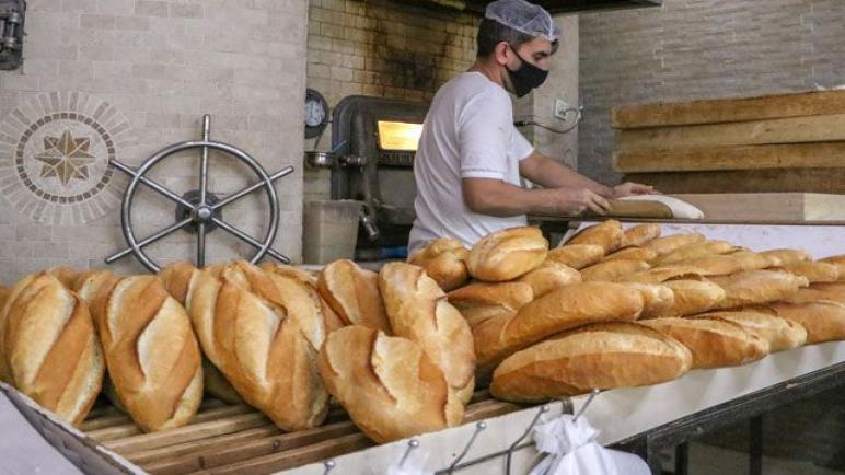 محكمة تركية: بيع الخبز بسعر قليل أمر غير عادل