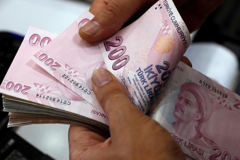 تحسن طفيف في الليرة التركية بعد سلسلة من الانخفاضات التاريخية