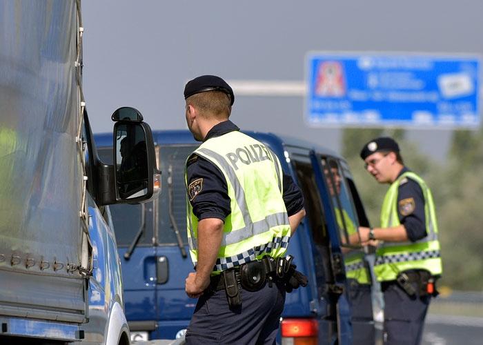 السلطات النمساوية تعثر على مهاجرين ميتين في شاحنة تهريب!