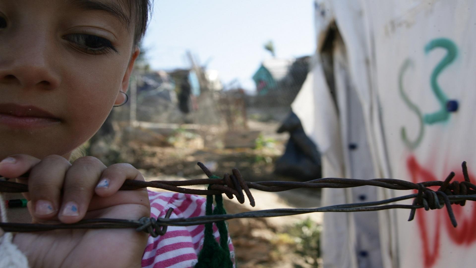 تنفي الحكومة اليونانية الاتهام بحرمان المهاجرين من الطعام وتؤكد الإمداد اليومي والمنتظم بالمياه والطعام.