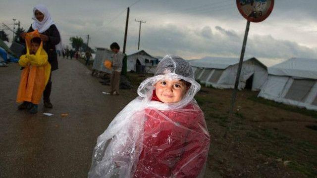 بعد حوالي شهر من افتتاح مخيم ساموس ، غزت مياه الأمطار مرافق المهاجرين