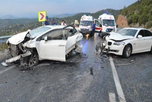 نهاية مأساوية لحادث مروري مروع تعرضت له عائلة تركية في بوردور. ..فيديو